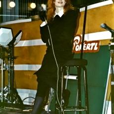mylene-farmer-casino-parade-rtl-02-janvier-1989-111