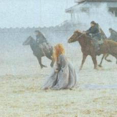Mylène Farmer - Tournage du clip L'Âme-Stram-Gram - Photographe : Claude Gassian