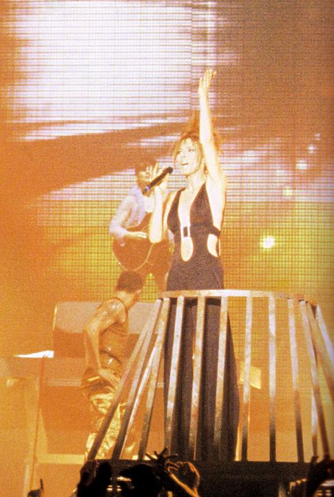 mylene-farmer-tour-1996-claude-gassian-1102