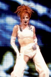 mylene-farmer-tour-1996-claude-gassian-208