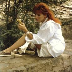 mylene-farmer-1989-marianne-rosenstiehl-inde-142