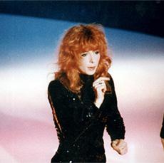 Mylène Farmer chante Pourvu qu'elles soient douces dans l'émission Interchallenges sur TF1 le 20 novembre 1988