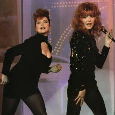 """Dominique Martinelli et Mylène Farmer - """"Le monde est à vous"""" - Antenne 2 - 06 novembre 1988 - """"Pourvu qu'elles soient douces"""""""