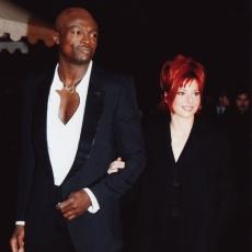 Mylène Farmer et Seal - NRJ Music Awards 2002 - Montée des marches