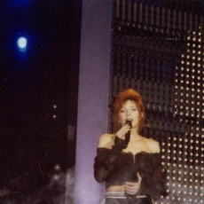 Mylène Farmer - NRJ Music Awards 2003 - Prestation Rêver