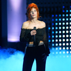 mylene-farmer_2003_nrj-music-awards_213