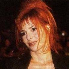 Mylène Farmer - NRJ Music Awards 2003 - Montée des marches