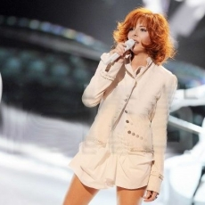 Mylène Farmer - NRJ Music Awards 2009 - 17 janvier 2009 - Prestation