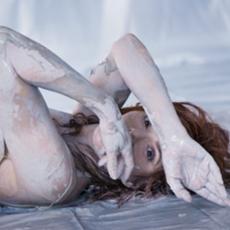 """Mylène Farmer - Photographe : Sylvie Lancrenon - Octobre 2014 - Photo publiée dans le livre """"Fragile"""""""