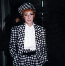 Mylène Farmer - Sacrée Soirée - TF1 - 16 décembre 1987