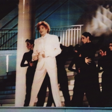 Mylène Farmer - Stars 90 - TF1 - 13 mai 1991 - Désenchantée