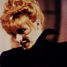 Mylène Farmer - Une soirée pour les Restos - TF1 - 17 décembre 1988