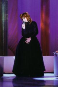 Mylène Farmer TV Les uns et les autres TF1 22 avril 1988